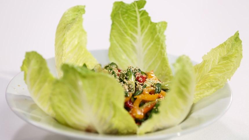 cin-usulu-marul-salatasi A Vitamini Hangi Besinlerde Bulunur?