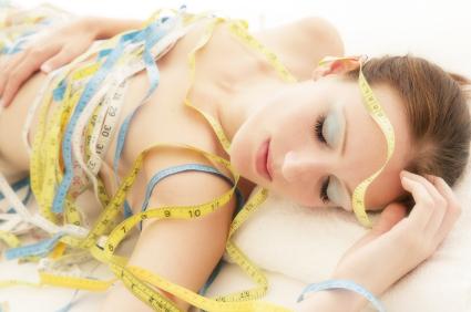 uyku-ve-kilo-verme-1_d2d7bf2b-e621-4343-b6ad-a8a781ffe68e Kaliteli Uykunun Kilo Üzerindeki Etkisi Nedir ve Kaliteli Uyku İçin Ne Yapmalıyız?