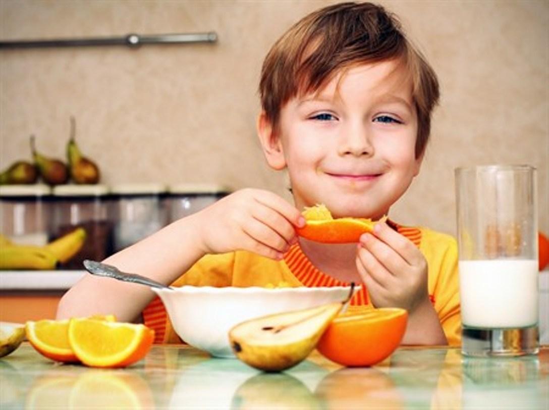 Çocuk-Sağlığı-5 Çocukları Sağlıklı Beslenmeye Alıştırmak İçin Püf Noktalar