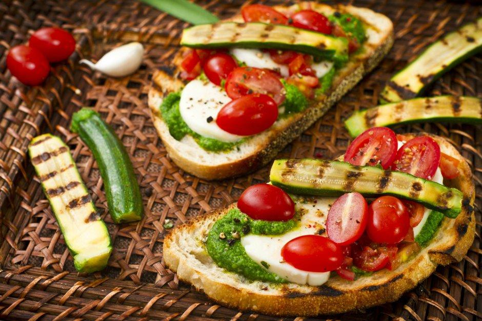 kabak-crostini-tarifi Sağlıklı Diyet Atıştırmalık Tarifleri