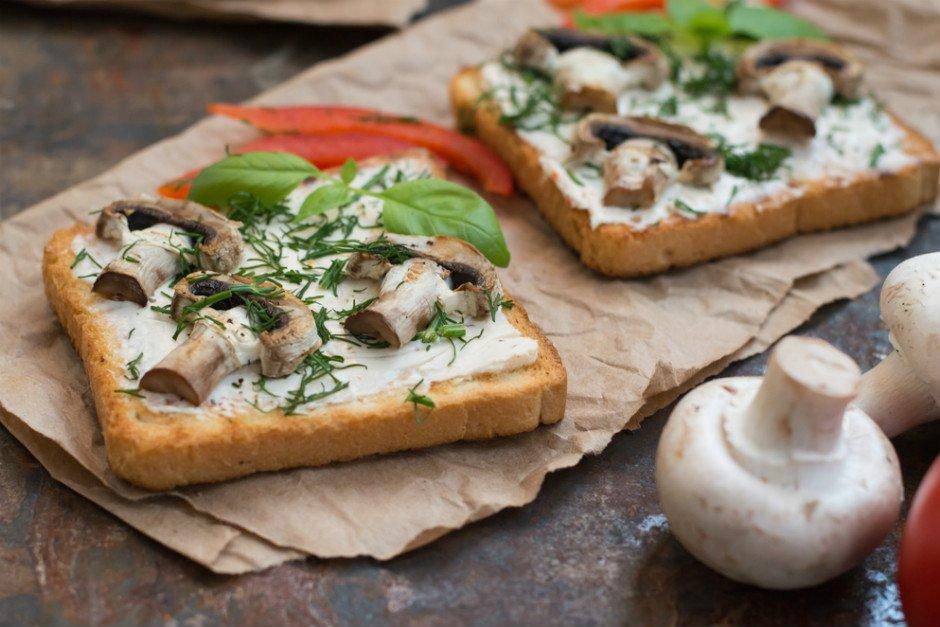 mantarli-acik-tost Sağlıklı Diyet Atıştırmalık Tarifleri