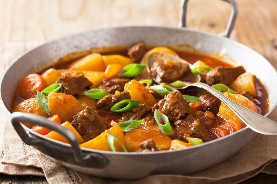 etli-patates-yemegi Lezzetli Patates Yemek Tarifleri
