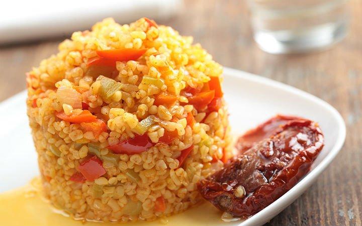 sebzeli-bulgur-pilavi Türk Mutfağı Yemek Tarifleri