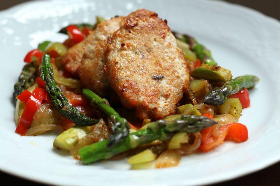tavuk-koftesi-sote-sebzeler-1 Türk Mutfağı Yemek Tarifleri