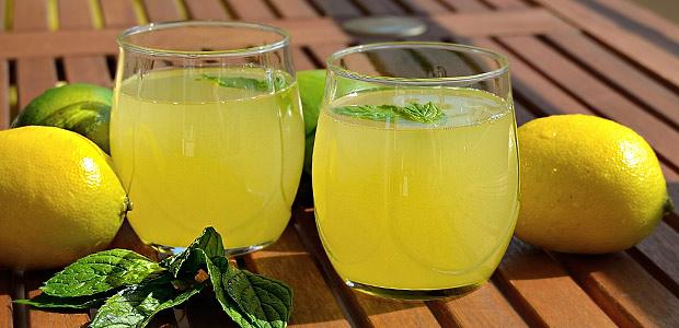 yaza-fit-girmek-icin-lezzetli-limonata-diyeti Ev Yapımı İçecek Tarifleri