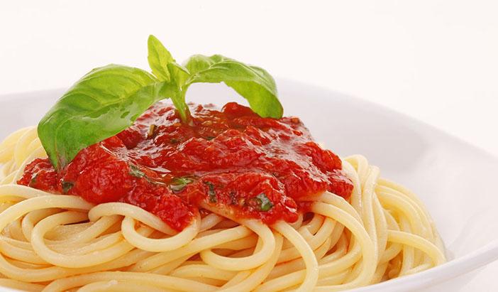 domates-soslu-spagetti-tarifi Diyet Makarna Tarifleri