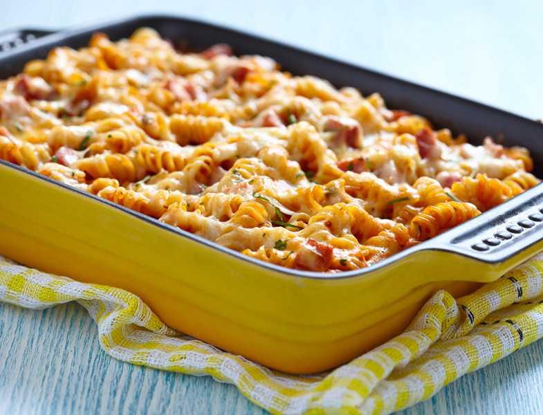 fırında-domates-soslu-makarna Diyet Makarna Tarifleri