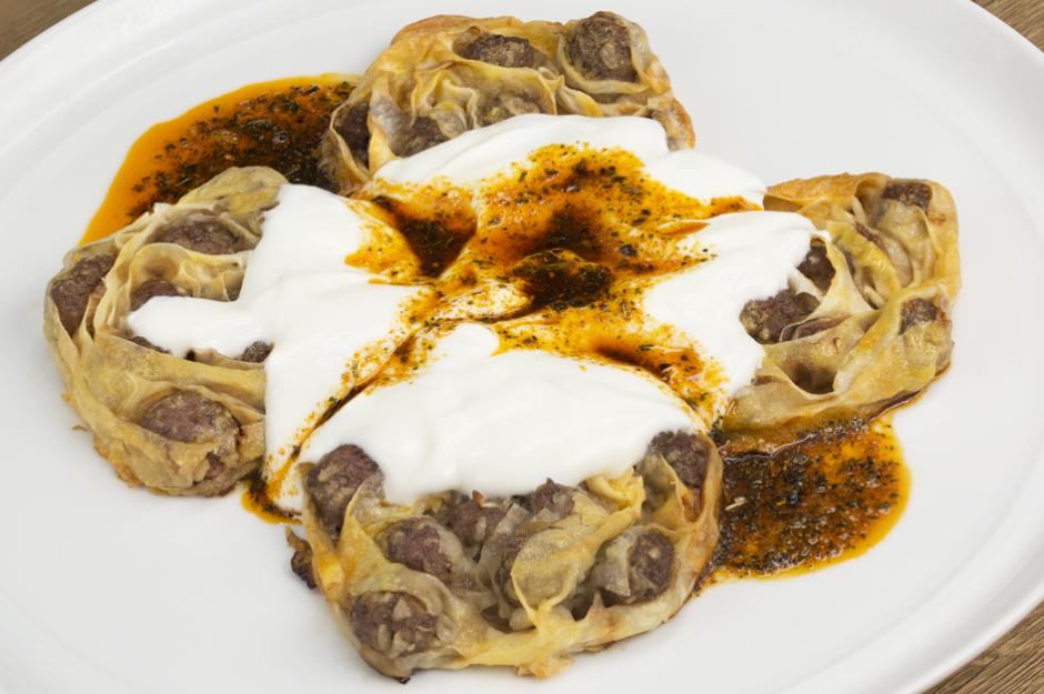 firinda-agzi-acik-manti-tarifi Türk Mutfağı Yemek Tarifleri