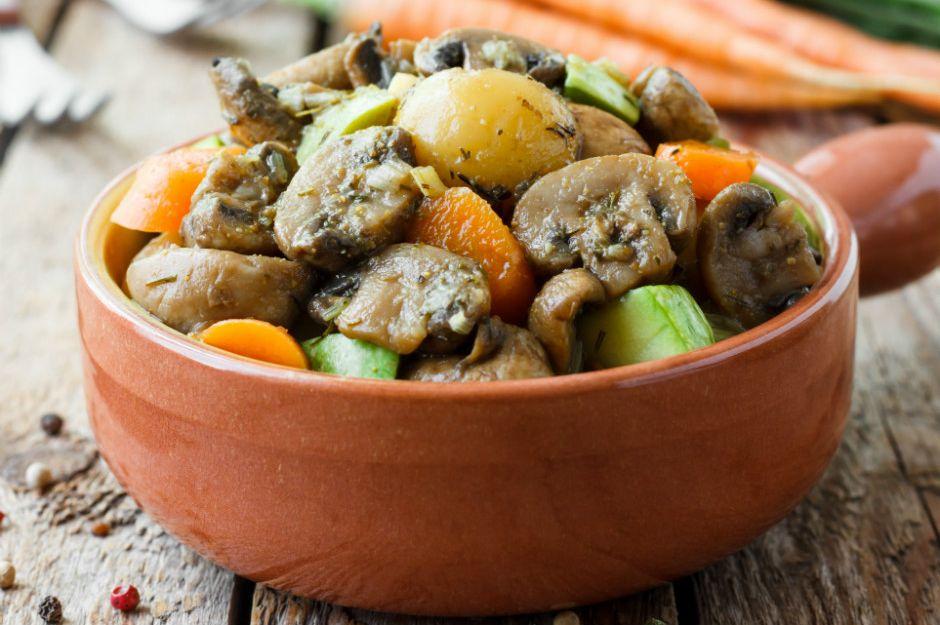 guvecte-turlu Türk Mutfağı Yemek Tarifleri