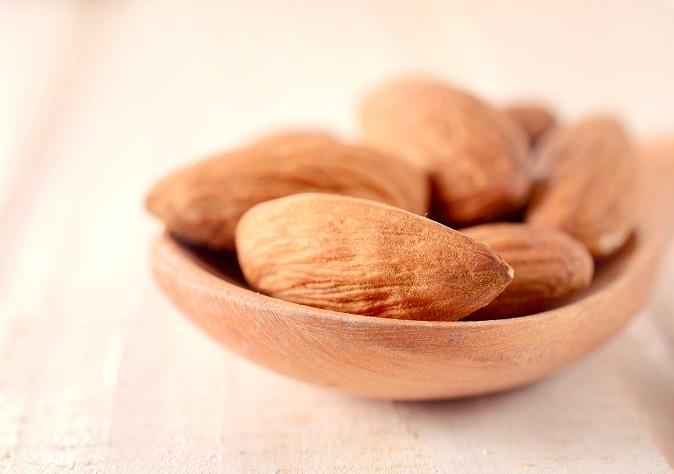 saglikli-bir-cilde-kavusmak-icin-tuketilecek-5-besin-1 Cilde İyi Gelen Besinler ve Yiyecekler: Yağ, Bitki, Vitaminler...