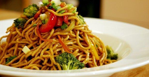 616x321-sebzeli-noodles-tarifi-1542695395848 Diyet Makarna Tarifleri
